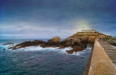 Tapia Casariego Lighthouse by Beatriz Ballesteros Pérez, via 500px.