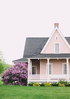 Pink cottage with lilacs