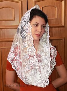 Catholic Veil, Catholic Mass, Church Outfits, Church Clothes, Chapel Veil, Muslim Beauty, Lace Veils, Embroidered Lace, Flowers In Hair
