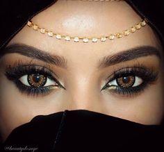 Eye makeup & accessories