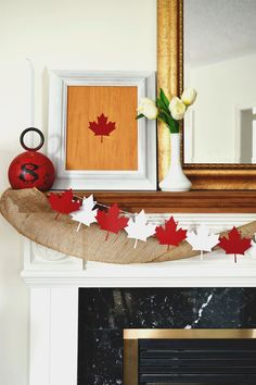 Canada Day maple leaf garland and framed art, cut with the Cricut Explore Air. Two easy, fun projects for your Canada 150 mantel decor. Leaf Garland, Diy Garland, Garlands, Cricut Canada, Canada Day Fireworks, Canada Day Crafts, Canada Day Party, Seasonal Decor, Holiday Decor