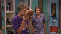The Suite Life on Deck screencaps. Cole M Sprouse, Sprouse Bros, Cole Sprouse Jughead, Dylan Sprouse, Dylan Y Cole, Dylan Thomas, Kids Shows, Tv Shows, Zack Et Cody