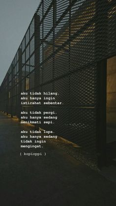 Quotes Rindu, Quotes Lucu, Cinta Quotes, Quotes Galau, Message Quotes, Reminder Quotes, Story Quotes, Text Quotes, Mood Quotes