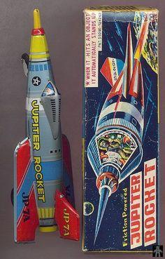 Friction Powered Tin 'Jupiter Rocket' Japan Toy Toy Rocket, Retro Rocket, Rocket Ships, Rocket Power, Vintage Robots, Vintage Games, Vintage Toys, Metal Toys, Tin Toys
