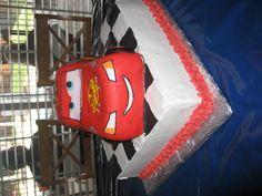 lightning mqueen cake