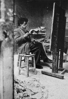de-salva:  Alberto Giacometti in his Studio (Atelier), Paris 1950s© Ernst Scheidegger