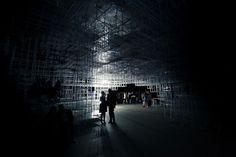 "UVA Transforms Sou Fujimoto's Serpentine Pavilion with ""Electrical Storm"" of LEDs"