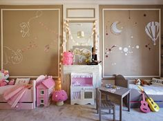 It is always a great dilemma  if you ever have to come to decorate a shared boy/girl room.   You want to add the gender-related details an...