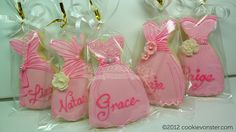 Shortbread Bridal Shower cookie favours, via Flickr.