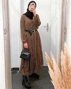 Modest Fashion Hijab, Modern Hijab Fashion, Casual Hijab Outfit, Hijab Fashion Inspiration, Muslim Fashion, Modest Outfits, Emo Fashion, Fashion Dresses, Fashion Weeks