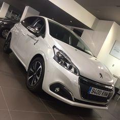 Peugeot 208, Bmw, Vehicles, Car, Vehicle, Tools
