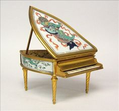 French gilt bronze and Chinese porcelain mounted bijouterie box mark of boin-taburet, paris, circa 1900 Formed as a piano