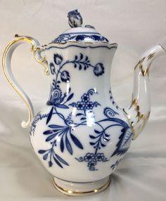 MEISSEN X-Swords BLUE ONION TEAPOT WITH GOLD GILT - Blue & White Teapot