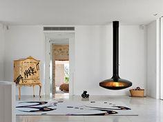 Cheminée design centrale Gyrofocus #fireplace #cheminee #focusfireplace #focuscheminee #suspendue #suspended  #architecture #moderne  #modern #design  #contemporaine #contemporary #poele #originale #centrale