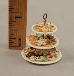 •• Productos de temporada en miniatura hechas a mano para casas de muñecas de Jen Tuttle
