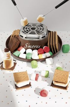 fun s'mores maker http://rstyle.me/n/tskiepdpe