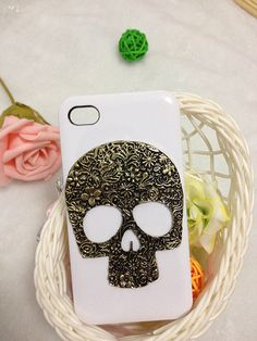Skull iPhone Case!