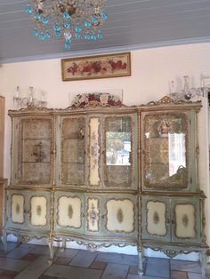 One Fabulous Shabby Vintage Italian 8 ft. In length Curio.Romance at its finest! Now available at Montiques! Shabby Vintage, Vintage Decor, Shabby Chic, Hand Painted Furniture, Vintage Italian, Venetian, Eye Candy, Romantic, Painted Roses