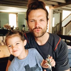 Pretty much the cutest thing i ve seen in ages... Jared and Shep..