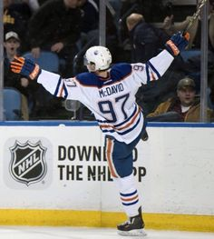 Makdevid has signed with Edmonton the record contract in NHL with a salary, one million a year Hockey Goal, Hockey Rules, Ice Hockey, Descente Ski, Protection Moto, Course Moto, Snowboard, Connor Mcdavid, Edmonton Oilers