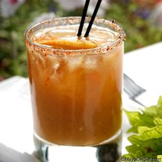 jugo de kiwi | citrus infused rum · fresh kiwi purée · simple syrup ...