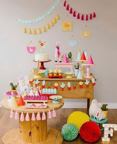 A beautiful llama birthday party setup First Birthday Parties, Birthday Party Decorations, 2nd Birthday, First Birthdays, Llama Birthday, Festa Party, Mexican Party, Baby Party, Party Time