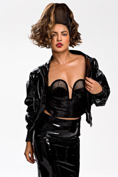 Global star Priyanka Chopra does a high-on fashion photoshoot for New York's PAPER magazine. Priyanka Chopra Sexy, Actress Priyanka Chopra, Bollywood Actress, Tamil Actress, Actrices Hollywood, Actress Pics, South Actress, Bollywood Stars, Bollywood Girls