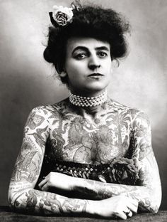 Maud Wagner, the first known female tattooist in the U.S., 1907. In 1904, she traded a date with her husband-to-be for tattoo lessons. | vintagegal