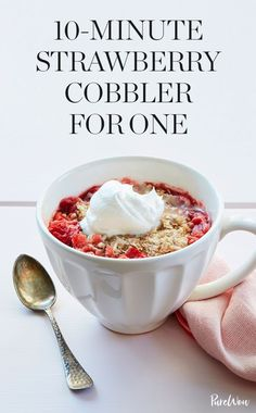 This single-serving strawberry cobbler recipe is the fastest way to satisfy your sweet tooth. Southern Desserts, Easy Desserts, Delicious Desserts, Dessert Recipes, Quick Dessert, Dessert Food, Strawberry Cobbler, Strawberry Recipes, Strawberry Shortcake
