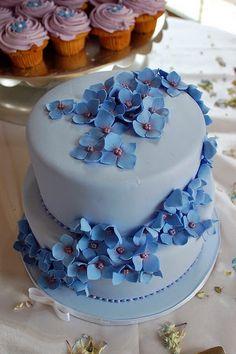 25 Romantic Wedding Cakes & Cupcakes ~ for all seasons