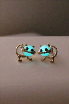 Kitty Glowing earring Adorable Turquoise Glowing by BrittaGifts