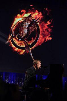 Chris Martin performs 'Atlas' ❤