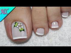 DISEÑO DE UÑAS PARA PIES FLOR Y FRANCÉS ¡MUY FÁCIL! - FLOWER NAIL ART - NLC - YouTube Cute Pedicures, Stylish Nails, Manicure And Pedicure, Toe Nails, Beauty Nails, Hair And Nails, Nail Colors, Finger, Nail Designs