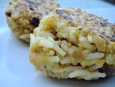 Boulettes de lentilles corail et riz Krispie Treats, Rice Krispies, Cauliflower, Vegetables, Desserts, Food, Dumplings, Homemade, Tailgate Desserts