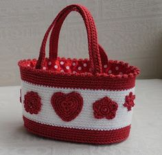 I LOVE this idea. Red and white with the polka dots.