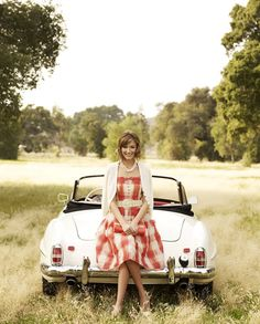 Love the car and outfit!!