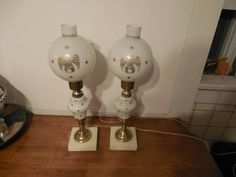 Pair of Vintage Brass Electric Desk Table Lamps With Glass Eagle & Stars Globe
