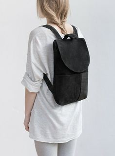 http://mumand.co/files/gimgs/th-37_mumandco_backpack_ii_black_72dpi_07_v2.jpg