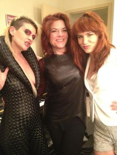 Peaches, Rosanne Cash, and Juliette Lewis waiting backstage.
