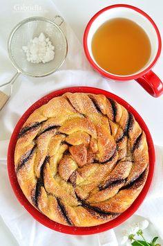 Kakaós-fahéjas csavart kalács Ratatouille, Cake Recipes, Cookies, Ethnic Recipes, Food, Crack Crackers, Recipes For Cakes, Eten, Cookie Recipes
