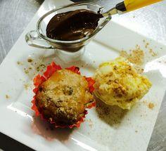 Muffins de calabaza rellenos de cramberrys o chocolate con helado y nutella espolvoreado con glasé de canela y azúcar! #menudeotoño #fattoconamore #italiaencasa