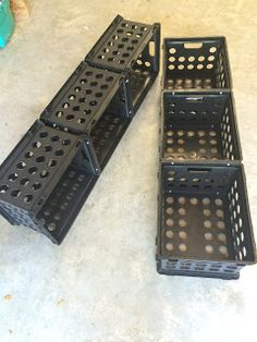 Ketchin' Up With Miss Riley: HOW TO: DIY Crate Benches Milk Crate Bench, Milk Crate Storage, Diy Storage Boxes, Milk Crates, Classroom Design, Classroom Themes, Crate Crafts, Diy Crafts, Diy Rack