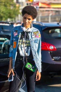 195 of the best street style outfit ideas from New York Fashion Week so far: New York Fashion Week Street Style, Model Street Style, Spring Street Style, Cool Street Fashion, Fashion Books, Fashion Outfits, Fashion Trends, Fashion Tips, Lineisy Montero