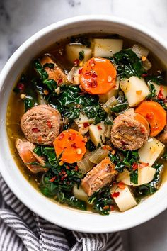 You Have Meals Poisoning More Normally Than You're Thinking That Kale And Potato Soup With Turkey Sausage Is An Easy, Hearty Soup Made With Kale, Potatoes, Carrots And Turkey Or Chicken Sausage. Kale Potato Soup, Sausage And Kale Soup, Chicken Sausage, Recipes With Turkey Sausage, Spinach Soup, Clean Eating Snacks, Healthy Eating, Healthy Cooking, Cooking Recipes
