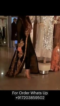 Party Wear Indian Dresses, Pakistani Fashion Party Wear, Designer Party Wear Dresses, Indian Gowns Dresses, Indian Wedding Outfits, Indian Designer Outfits, Bridal Outfits, Indian Outfits, Indian Fashion