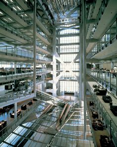 Foster + Partners built the Hong Kong and Shanghai Bank Headquarters. Learn more about this challenging architectural project on this page.