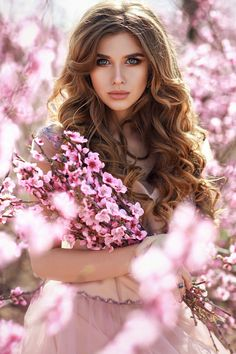 Ukrainian girls are the most beautiful in the world. You dream about one? Your girlfriend is Ukrainian? Read how to build a happy family with her! How to win a heart of Ukrainian girl? How to choose your sexy Ukraine Looking for your Ukraine girl? Girl Pictures, Girl Photos, Girl Photography, Fashion Photography, Photographie Portrait Inspiration, Mode Glamour, Romantic Girl, Spring Photos, Most Beautiful Faces