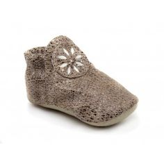 Baby Buttercup Moccasins in Snake Print Leather Star Shoes, Kid Shoes, Barefoot Running Shoes, Minimalist Baby, Leather Baby Shoes, Baby Moccasins, Buttercup, Baby Booties, Snake Print
