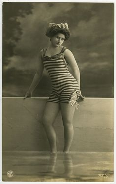 Vintage bathing beauty postcard