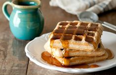 These waffles are very light and fluffy for being whole wheat. Very yummy and healthy too. - Whole Wheat & Flax Waffles Eggless Recipes, Banana Recipes, Waffle Recipes, Smoothie Recipes, Low Carb Recipes, Low Fat Waffle Recipe, Vegetarian Recipes, Breakfast And Brunch, Low Carb Breakfast